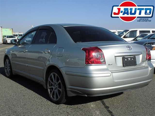 Toyota Avensis, 2005 г. 2.0 фото 3
