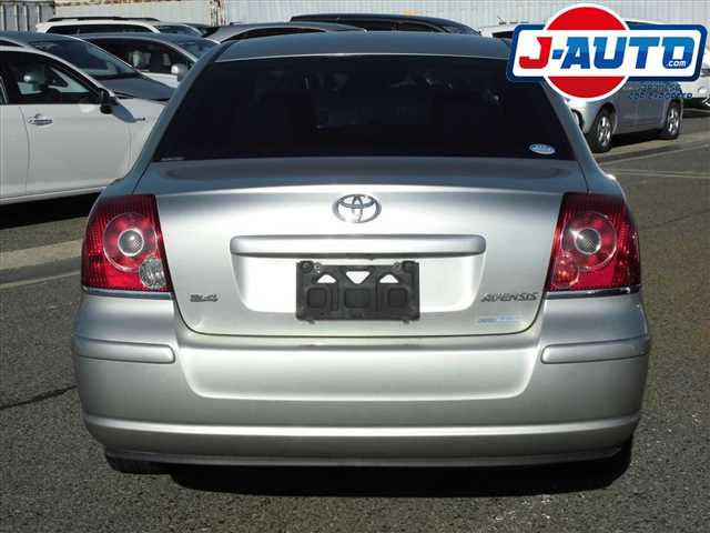 Toyota Avensis, 2005 г. 2.0 фото 8