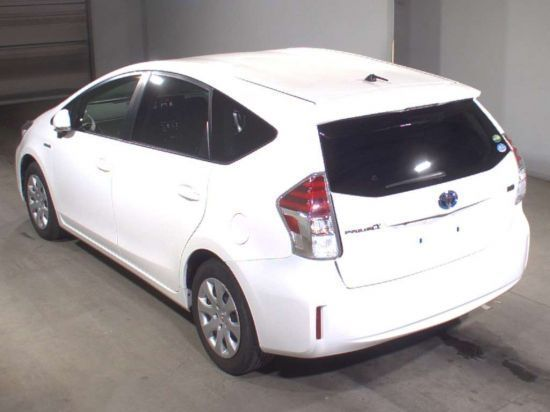 Toyota Prius A 2015г. 1800 фото 2