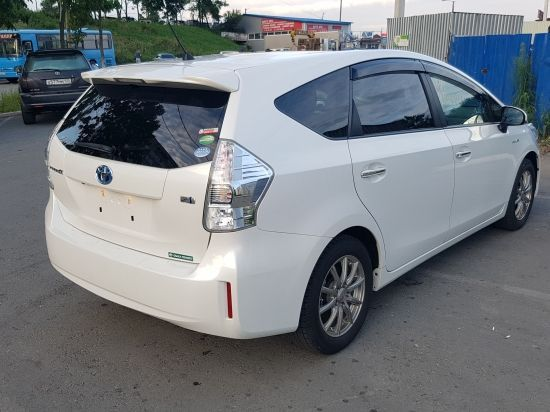 Toyota Prius A 14г 1800 фото 3