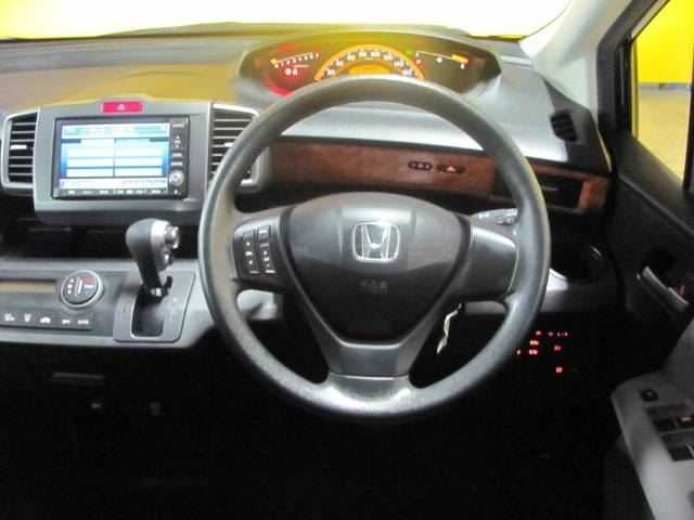 Honda Freed, 2010 г. 1.5 (бензин) фото 8