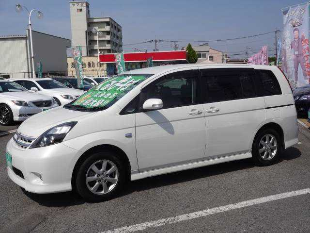 Toyota Isis, 2011 г. 1800 фото 2