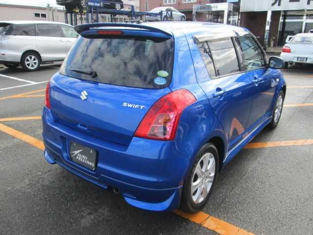 Suzuki Swift, 2010 г. 1.3 (бензин) фото 4