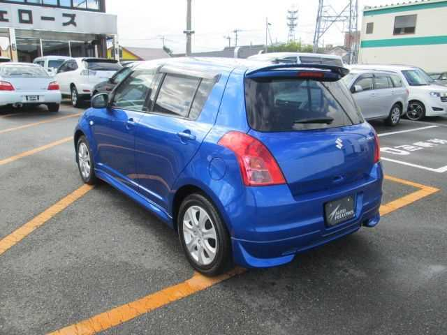 Suzuki Swift, 2010 г. 1.3 (бензин) фото 3