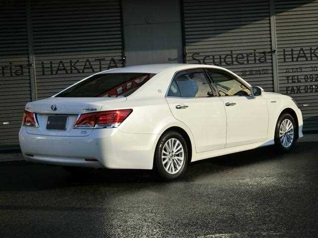 Toyota Crown, 2016 г. 2500 фото 3